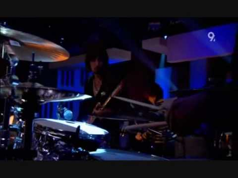 Kasbian - Empire (Live Jools Holland 2006)
