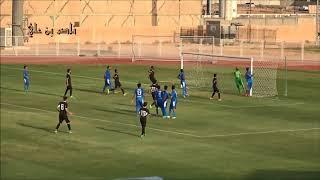فاولات عبدالله الحمدان لاعب اولمبي الشباب في الشوط الأول في مباراة الفتح