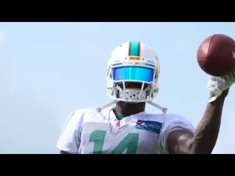 Jarvis Landry Can Catch Anything One Handed!