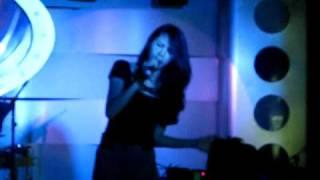 Yêu Làm Chi - Thủy Tiên feat Noo Phước Thịnh (Live in Điểm Hẹn) Sun Mar 13rd 2011