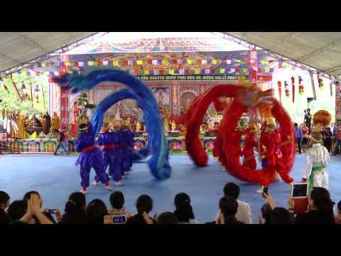 Màn múa rồng đặc sắc do chư Ni Tây Thiên trình diễn ngày 01/05/2014