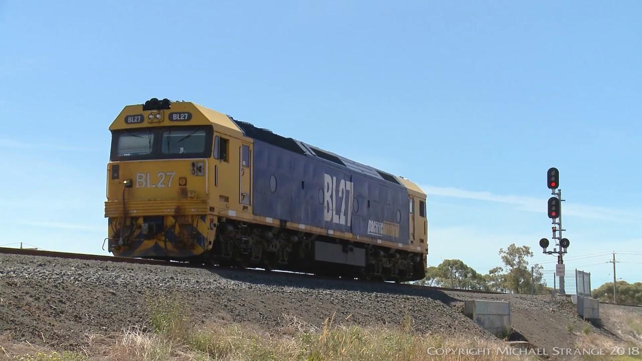 Bl Class Locomotive Bl27 Light Engine Poathtv Australian Trains Railways Youtube
