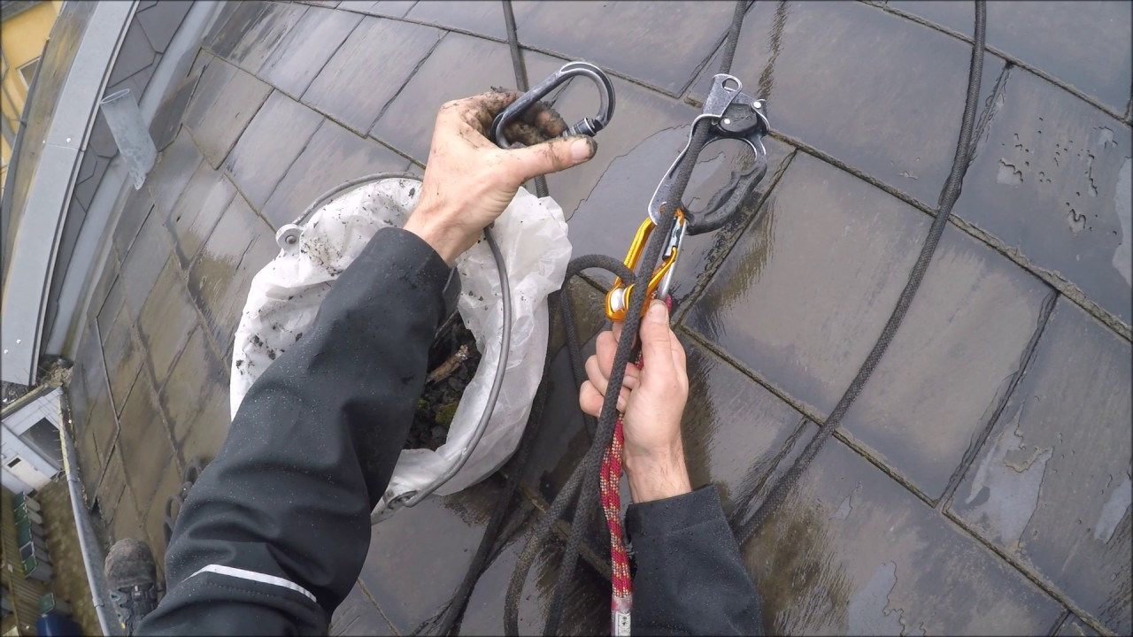 how to use a rope to clean gutters