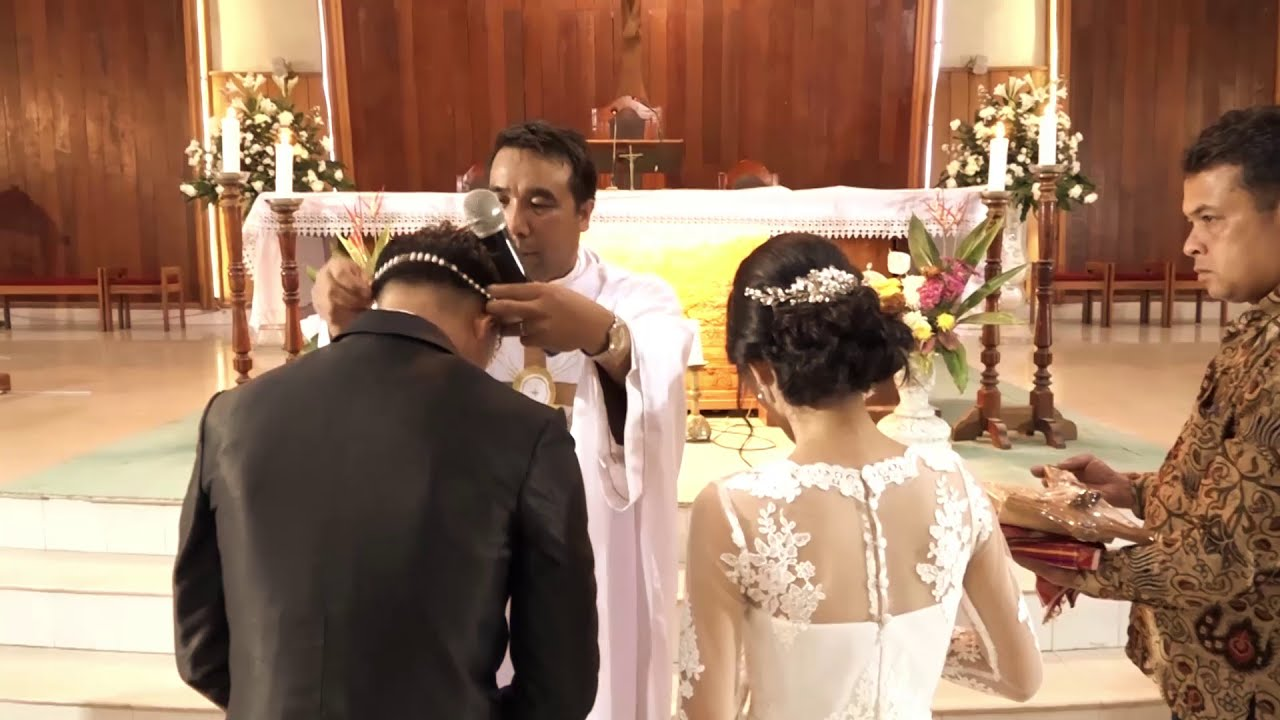Sakramen Perkawinan Imanuel Pamela Youtube - Perkawinan Oikumene, Acara Pemberkatan Nikah Yoseph Gereja Toraja Jemaat Bandung Facebook
