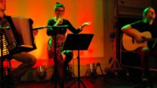 Koncert piosenki rosyjskiej, w wykonaniu duetu Akustyczny Makaron
