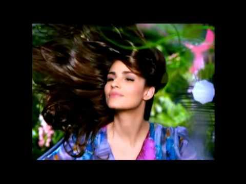 Fernanda Tavares: Hair in Paradise