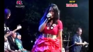 Download lagu Suara Emas Lilin Herlina New PallapaandaiTerbaru 2016 LIve MP3