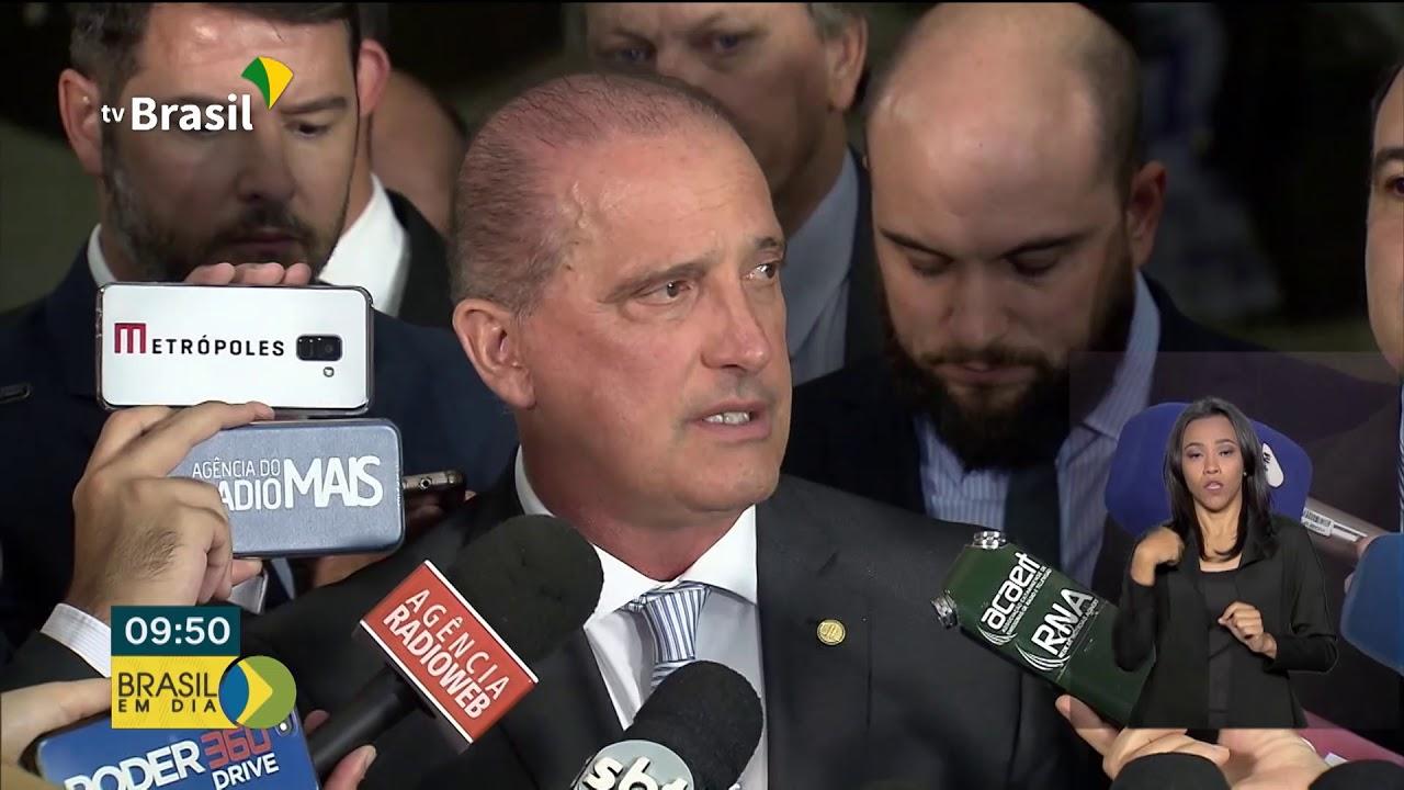 Presidente Bolsonaro revoga dois decretos sobre posse e porte de armas