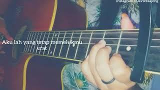 Download lagu Story wa terbaru cewek cantik main gitar galau karena cinta
