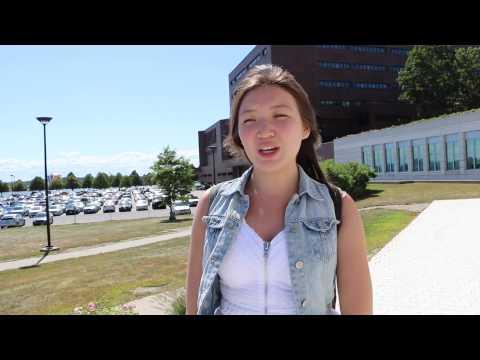 Алия студентка University of Massachusetts Boston
