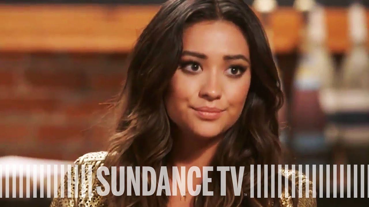 f644ed2c6dc1 PRETTY LITTLE LIARS | Shay Mitchell's Extreme Fans | The Writers' Room