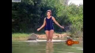 Download Video Divya Bharati in swimsuit MP3 3GP MP4