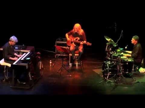 Iñaki Sandoval: Electric Trio Live