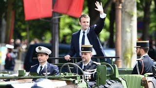 حفل تنصيب رسمي واستقبال شعبي كبير يحتفي بالرئيس الفرنسي الجديد