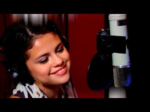 """Selena Gomez """"Bidi Bidi, Bom Bom"""""""