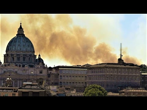 Fire near Vatican sparks fears of terror attack HD