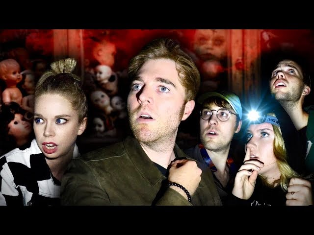 GHOST HUNTING IN A HAUNTED TOY STORE with GRAV3YARDGIRL