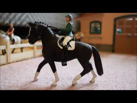 Unboxing And Review Schleich 2017 Horse Club Showjumper