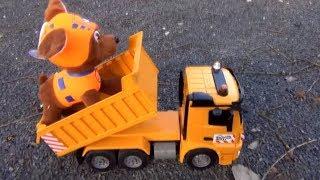 Играем с машинками и игрушками by Rinat show