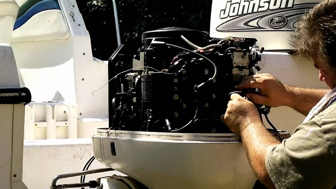 how to replacing the powerpack on a johnson evinrude outboard rh youtube com evinrude 150 engine diagram