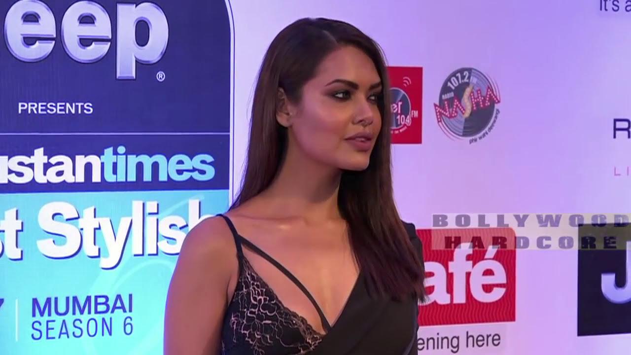 Esha Gupta Hot Dress Expose Red Carpet-3314
