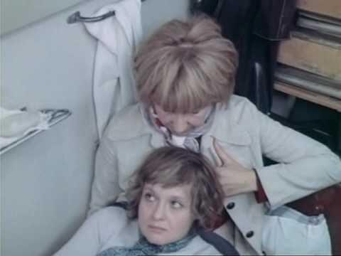 Смотреть онлайн Почти смешная история (1977) -> Смотреть