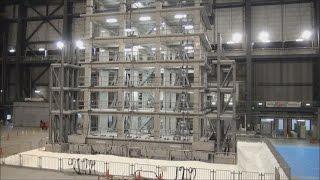 中層住宅、4階の損傷大 震度6強で公開実験