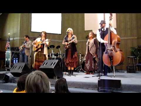 The Isaacs - Bluegrass Medley