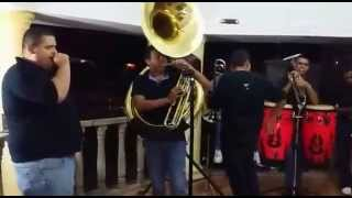 La Parrandera Banda Muñekos - Esta De Parranda El Jefe (Cover)