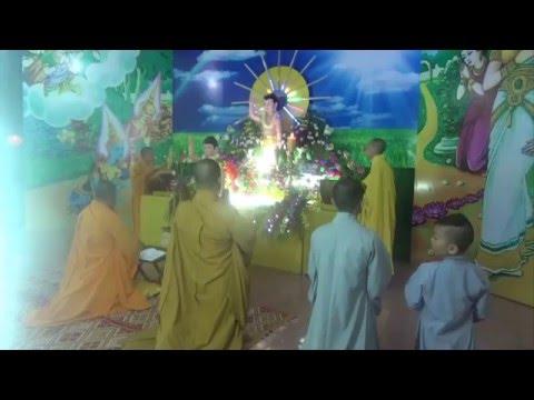 Thuyet giang Dai Le Phat Dan PL 2560 tai Le Dai chua Hoa Nghiem