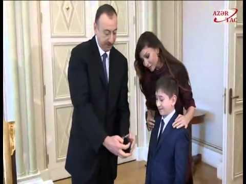AZE.az: Ильхам Алиев и члены семьи встретились с 11-летним жителем Гянджи Умидом Хабибовым