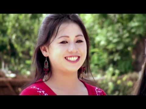 Hmong Movie txaus luag Van Len Thais xab nkawv mus muab paj rau tus hlub 03 thumbnail