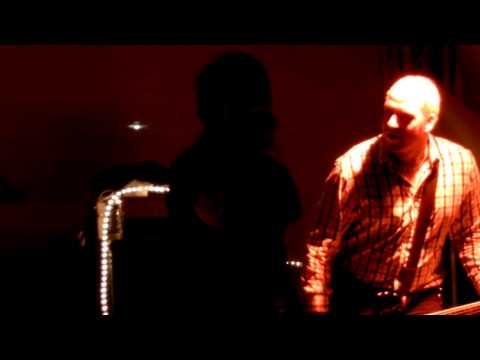 Radio Dead Ones - Emerging market (live)