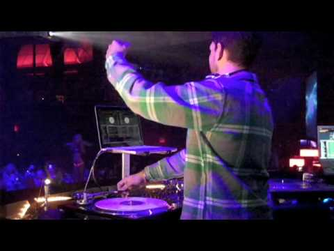 DJ AM LIVES: Debut Performance at Palms Las Vegas 4.24.09