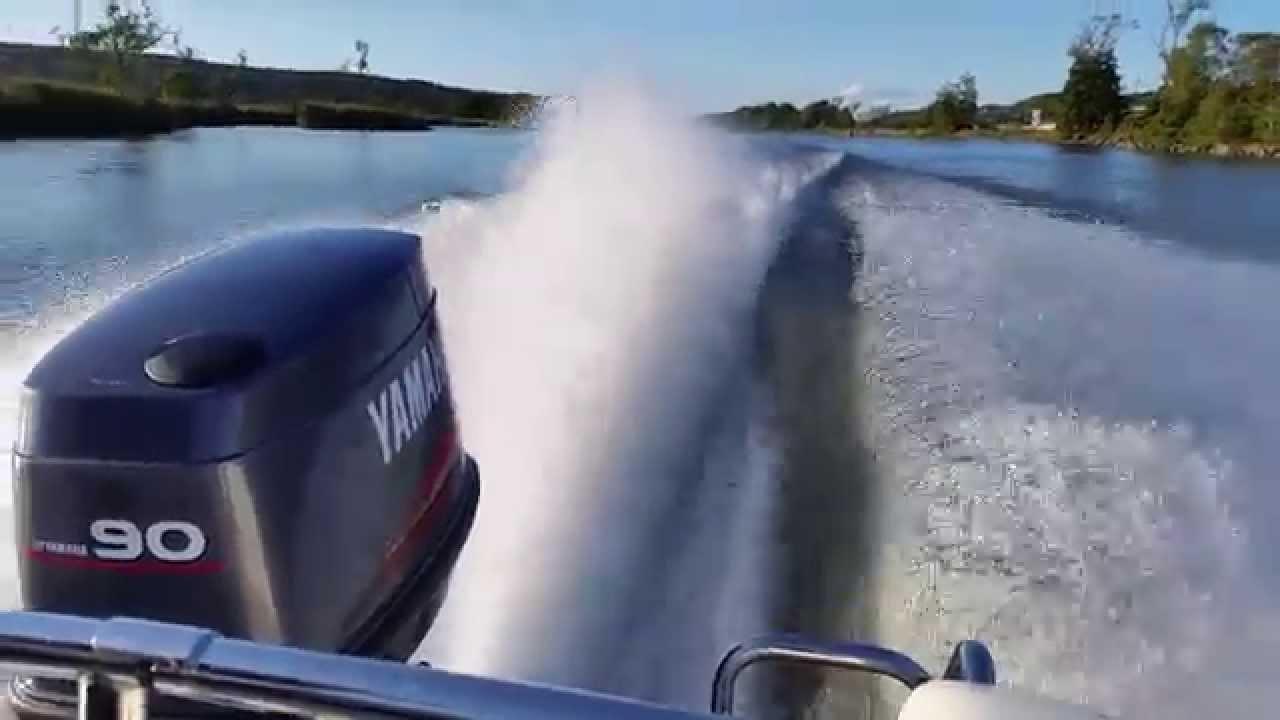 yamaha 90 hp outboard 2 stroke wot wide open throttle 4 blade prop youtube [ 1280 x 720 Pixel ]