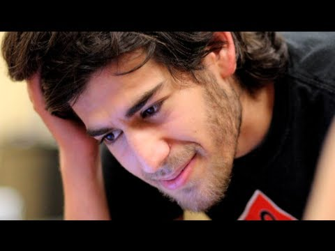 """An Incredible Soul"": Lawrence Lessig on Aaron Swartz After Leading Cyberactivist's Suicide. 1 of 2"