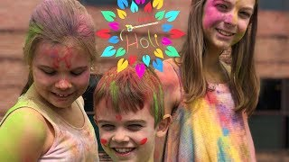 HOLI COLOURS WITH AMERICAN FAMILY