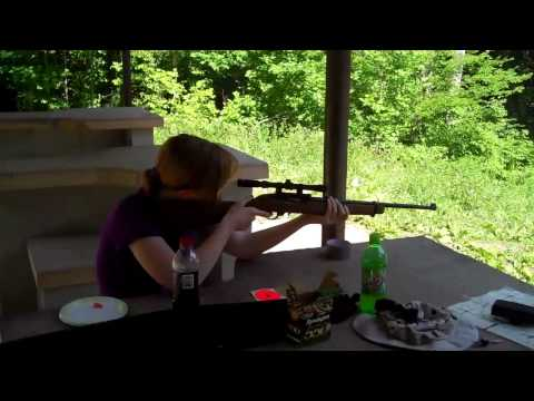 She can shoot the .22!!!