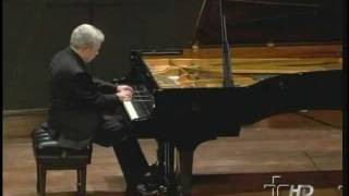 Nelson Freire plays Beethoven Moonlight Sonata (Complete)