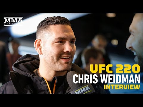 Chris Weidman Talks About Being Gian Villante's Head Coach For First Time, Recent Thumb Surgery