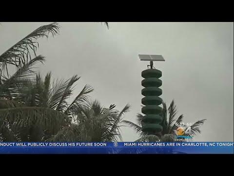 hawaii's-attack-siren-barely-heard-on-popular-tourist-beach