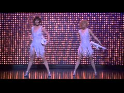 Nowadays (Roxie & Velma) - Chicago (LETRA ESPAÑOL)