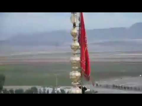 Флаг мести поднят на мечетью в Иране