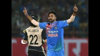 Mohammed siraj indian circket dancing with karun nair and other players in bus.