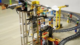 LEGO MINDSTORMS Goldberg machine (The giant Santa
