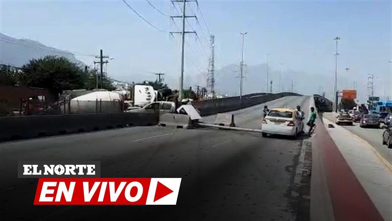 Choca y causa caos vial en Díaz Ordaz