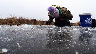 Зимняя рыбалка 2018 В ЛУЖЕ ТАКОГО Я ЕЩЕ НЕ ВИДЕЛА