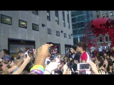 One Direction - Soundcheck Best Song Ever - Today Show 8/23/13 NYC