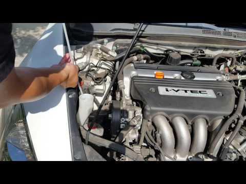 DIY: 2003 - 2007 Honda Accord Maintenance: 3 Minute Weekly Checkup (fluids, belts, and stuff)