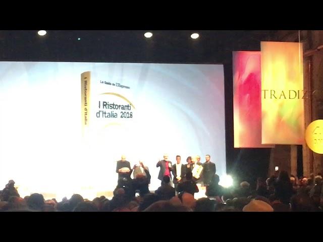 Massimo Bottura alla presentazione delle Guide de L'Espresso 2018